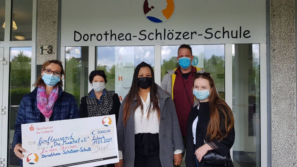 Spendenübergabe Dorothea-Schlözer-Schule